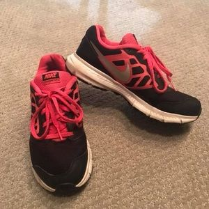 Nike Shoes Youth 5 or Womens 7